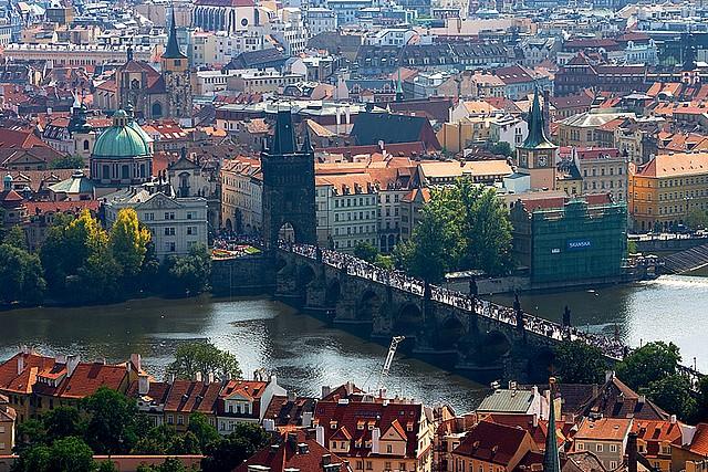 Marie muchova la nouvelle voix du tourisme tch que en france - Office de tourisme republique tcheque ...