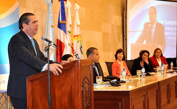 Javier Garcia-ministre republique dominicaine