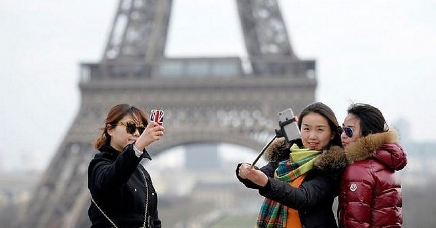 La Tour Eiffel n'en finit jamais
