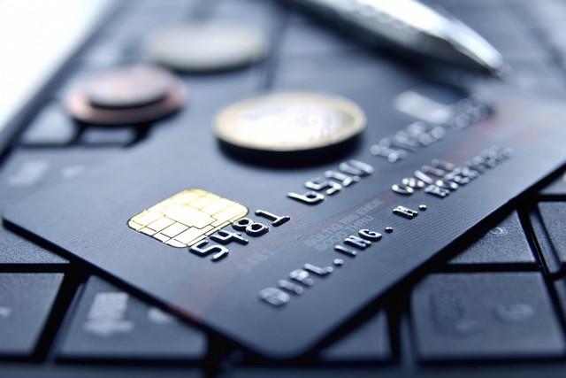 april international voyages-comparateur assurances tourisme-cartes bancaires