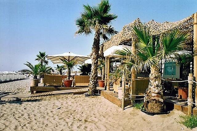 Cagnes sur mer les plages priv es ouvertes toute l ann e for Garage de la plage cagnes sur mer