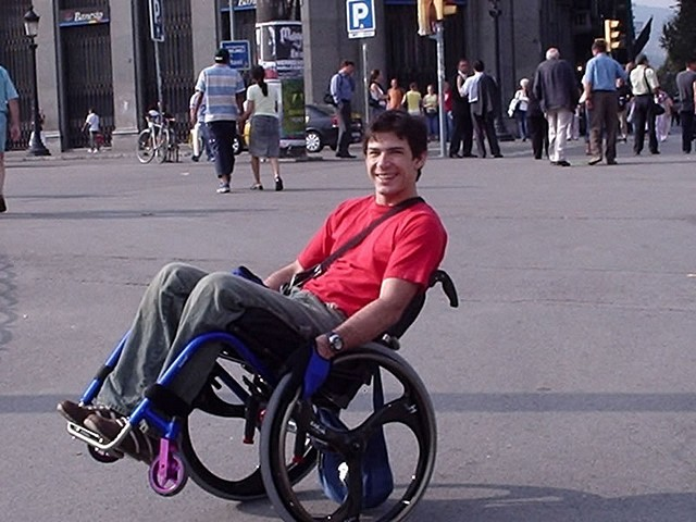 Tourisme handicaps font toujours bon m nage sur les salons for Salon du handicap