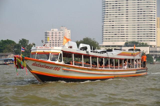 Chao Phraya Express Boat-julie