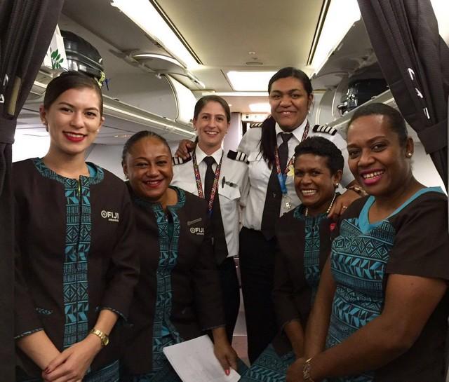 équipage féminin air fiji