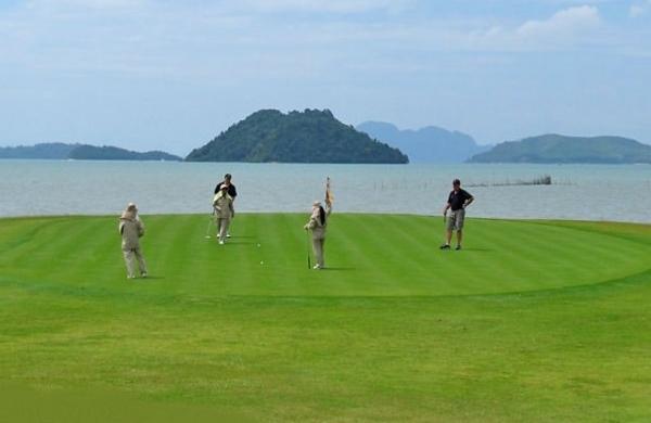 Le Mission Hills Phuket Golf Club bon pour le service