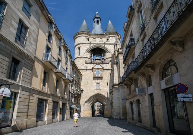 hôtel de ville Saint-Eloi-Grosse-Cloche