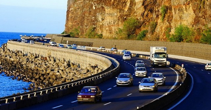 La Réunion taille la route