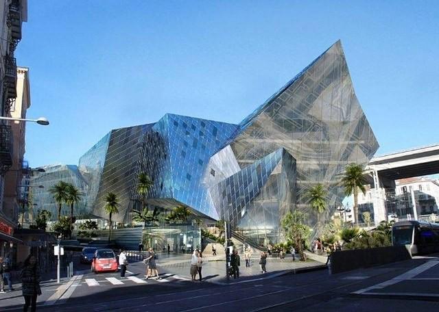 """Nice Gare Thiers - Projet """"Iconic"""". Développant 19.000 m2, il proposera un hôtel à l'enseigne Hilton Garden Inn de 120 chambres (4 600 m2) complété par des bureaux (1 600 m2), des commerces (7 000 m2), un centre Fitness (2 000 m2), une salle de spectacle de 600 places des cafés et restaurants dont un panoramique au dernier étage de 800 m2."""