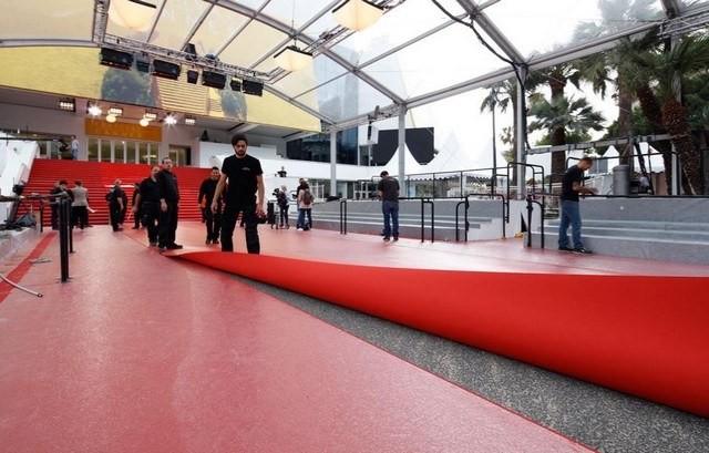 Cannes d croche un nouveau salon professionnel prometteur for Moquette stand salon