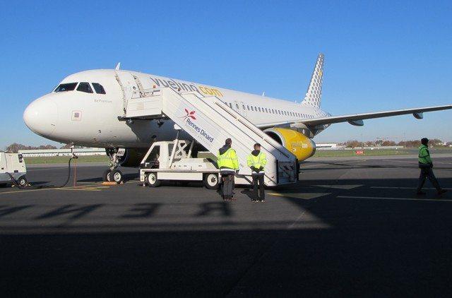 vueling-aeroport de rennes bretagne une