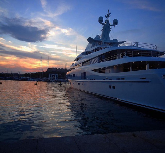 yacht deux