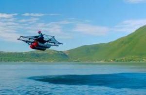 Une voiture volante pour partir en balade