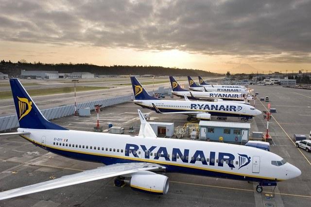 Elle juge en particulier que la crainte de nouvelles grèves a affecté la confiance des consommateurs qui sont plus hésitants à réserver des vols Ryanair