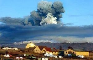 Un volcan peut en cracher un autre