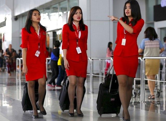 La Malaisie Mal A L Aise Avec Ses Hotesses De L Air
