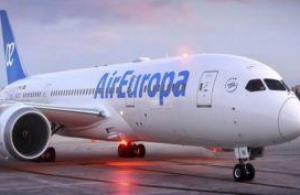 Air Europa pose son 787 Dreamliner sur Sao Paulo