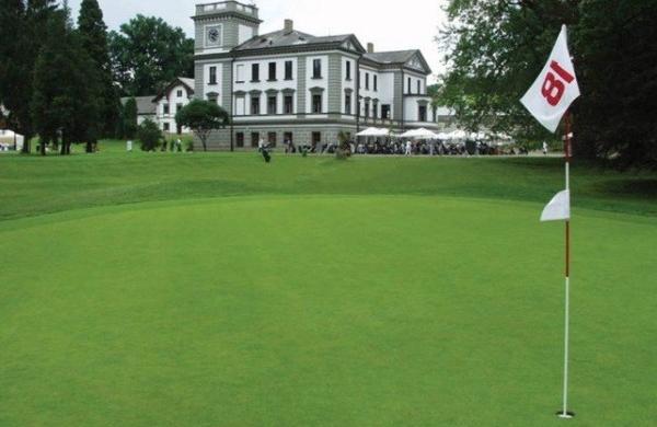 La République tchèque marque des points en Golf