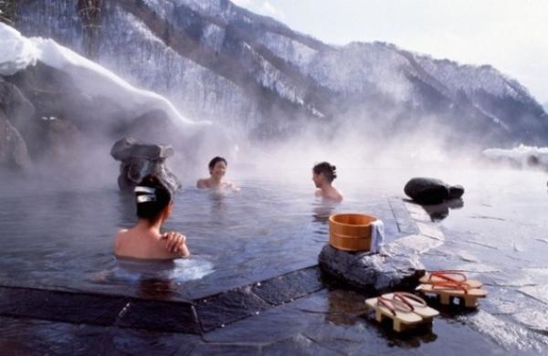 Tourisme thermal : dans le grand bain au Japon