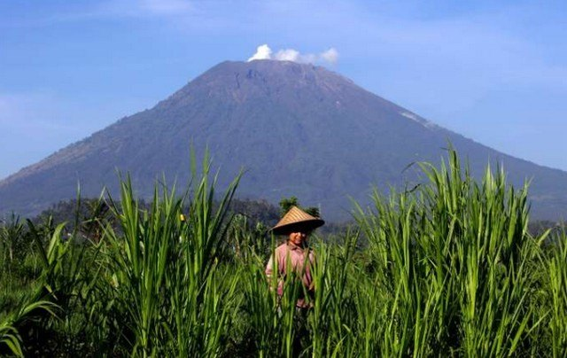 Tourism Alert The Volcano On Bali Has Erupted Again
